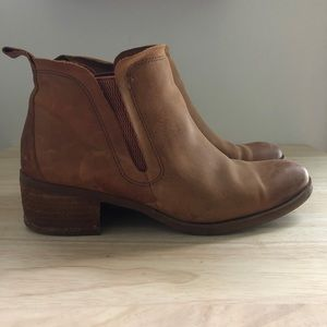 Korks by Kork-Ease Ankle Booties